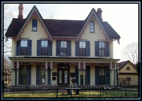 Heisey Museum Holiday Open House