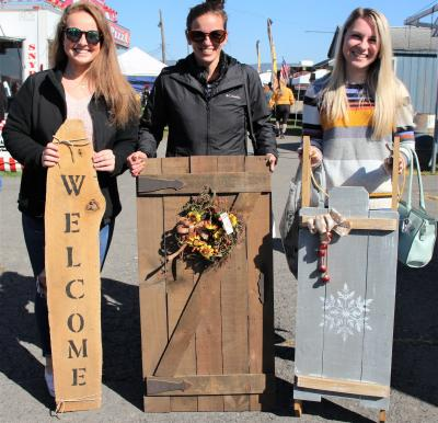 'Christmas in the Barns' Crafts Festival
